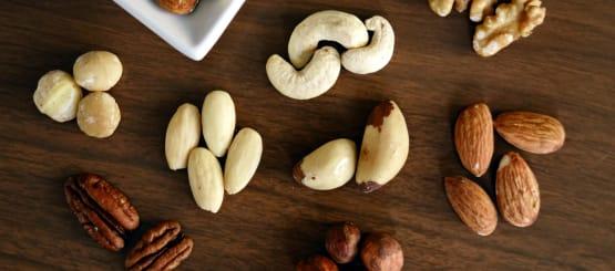 מבחר אגוזים ופיצוחים טבעיים