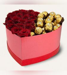 מארז מתוק ורדים + פררה