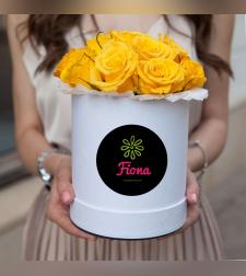 קופסת ורדים צהובים