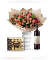 זר פרחים רכות וחן + פררה + יין