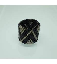 טבעת שחר | טבעת שזורה מחרוזים | טבעת שחור & כסף