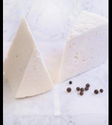 גבינת גרוזינסקי במשקל 500 גרם