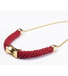 שרשרת בת שבע | תכשיט גיאומטרי | תכשיט אדום & זהב