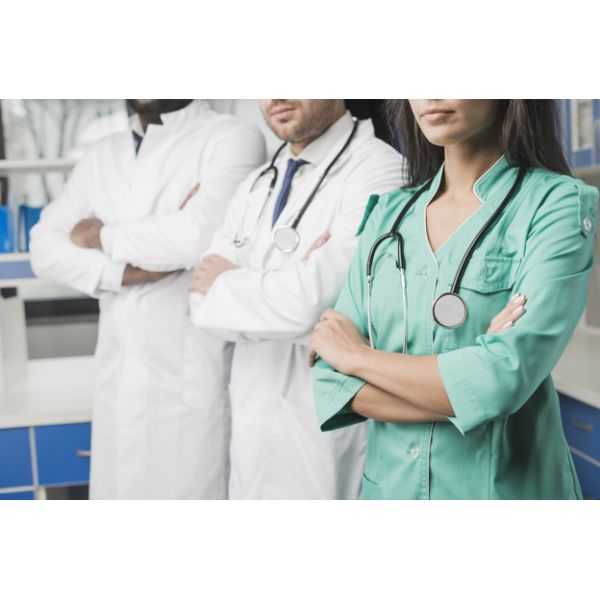 אחיות/רופאים