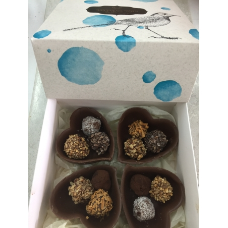 12 טראפלס במגשי שוקולד