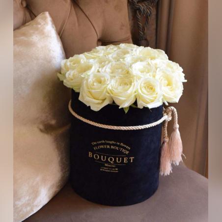 קופסת ורדים לבנים
