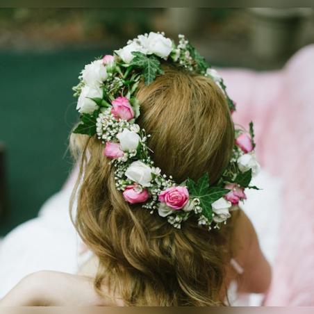 זר לראש עם ורדים