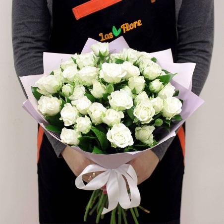 זר ורדים לבנים -