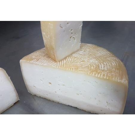גבינה קשה מחלב צאן