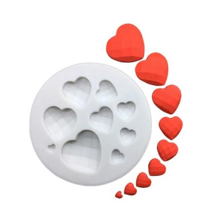 תבנית סיליקון ליצירת 8 לבבות בגדלים שונים