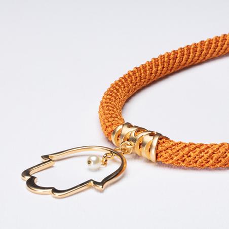 שרשרת רוויה | תכשיט תליון חמסה גדול עם פנינה | תכשיט חרדל & זהב