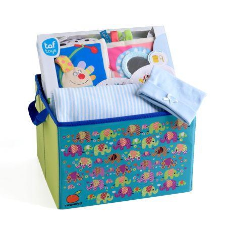 14# - התרגשות בלב לבן : חבילת לידה מרגשת ובה שמיכה, ספר בד וכובע בקופסת צעצועים