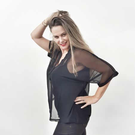 חולצת שיפון- שחור- SALE
