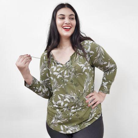 חולצת שרוך במחשוף- ירוק זית פרחוני- SALE