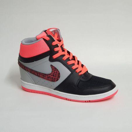 Nike Force Sky High לנשים