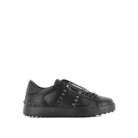 VALENTINO -  11.ROCKSTUD UNTITLED BLACK SNEAKERS