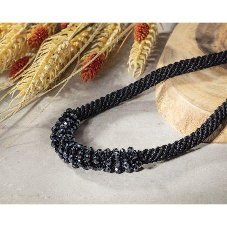 שרשרת אילה | תכשיט משולב קריסטלים | תכשיט שחור& כחול מתכתי