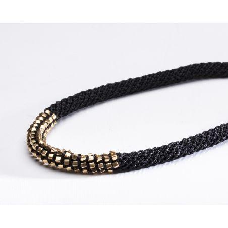 שרשרת אלישבע | תכשיט חרוזים שזורים | תכשיט שחור & זהב