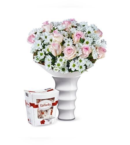 זר פרחים משיכה + רפאלו (Blanca)