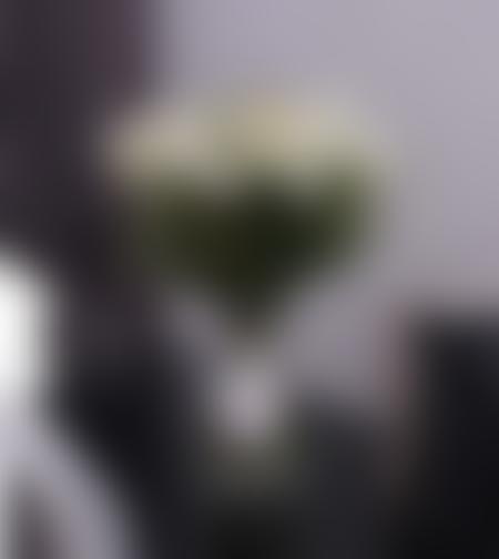פרפר גן עדן - זר ליזיאנטוס לבן באגרטל