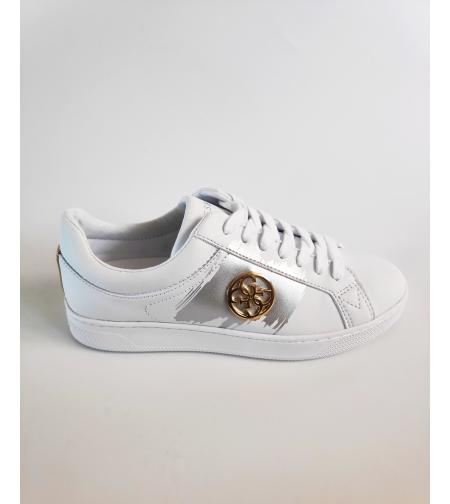 נעל GUESS לבן עם כסף