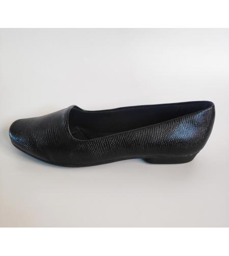 Fly foot שטוחה בצבע שחור מבריק