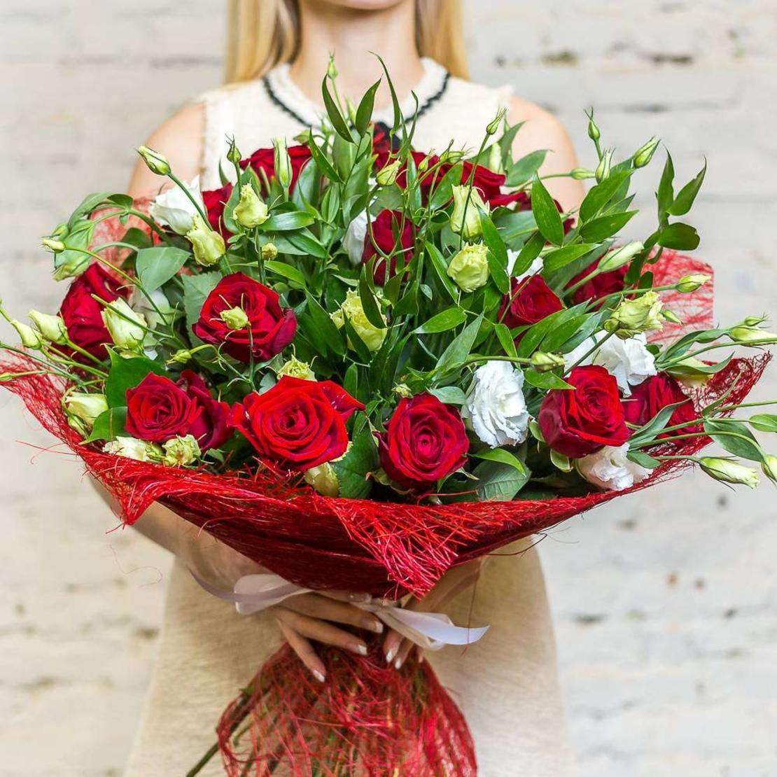 זר ליזיאנטוס ורדים אדומים -