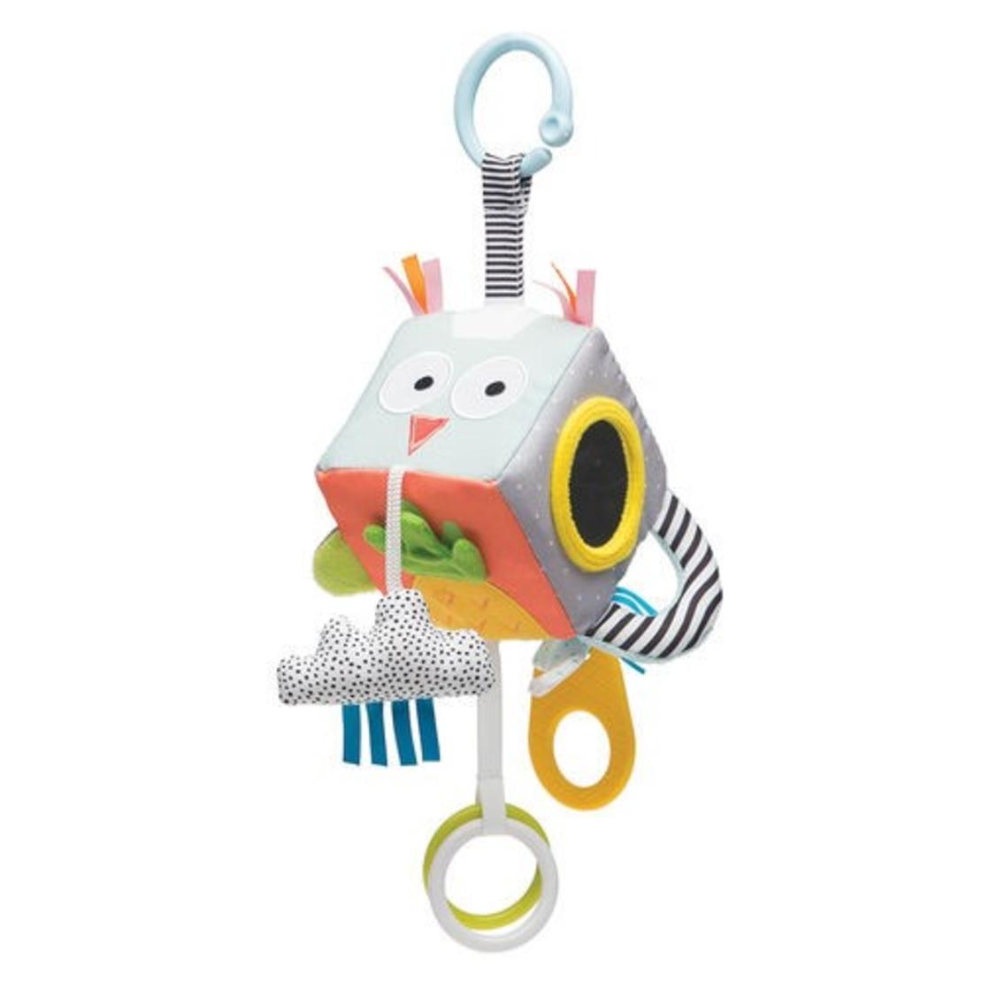 42# - מ-ה-מ-ם לבת : חבילת לידה מושלמת לתינוק החדש בקופסת בד: ספירלה לסל קל, קוביית סקרנות, ספר בד דו-צדדי,  כירבולית טטרה, נעלי בית, שלישיית חיתולים צבעוניים