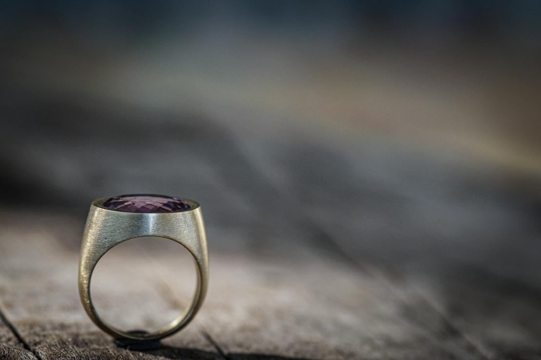 טבעת חותם אבן אמטיסט