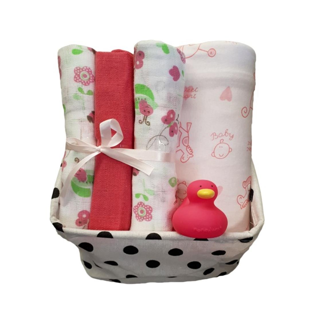 22# - מתוק לה : ערכה מפנקת של סל בד בשחור-לבן המכיל שלישיית חיתולי טטרה, שמיכת תינוק רכה וברווזן לאמבט
