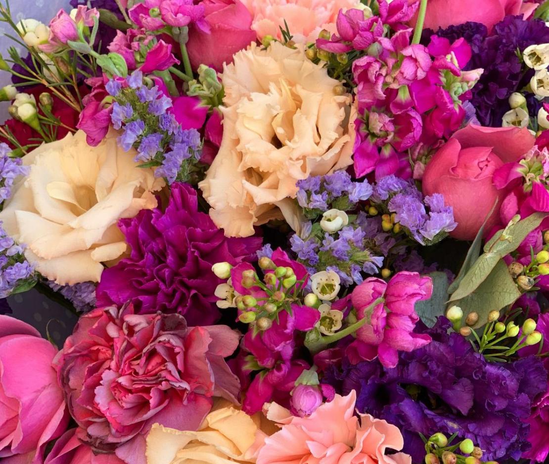 זר פרחים נשיקה לוהטת #101