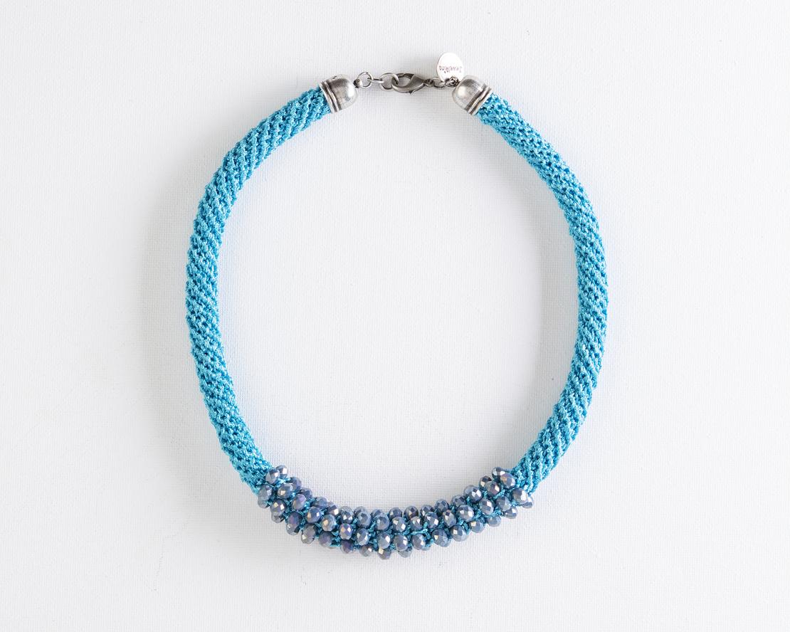 שרשרת אילה | תכשיט משולב קריסטלים | תכשיט תכלת טורקיז & כחול אפור