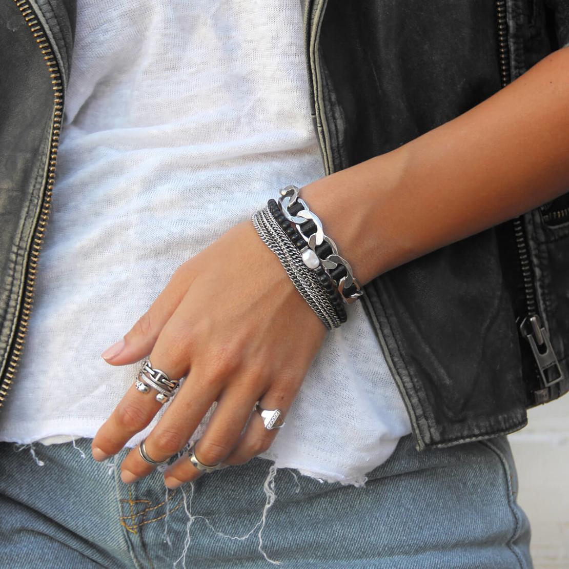 קומבינציית צמידים - Black Chic
