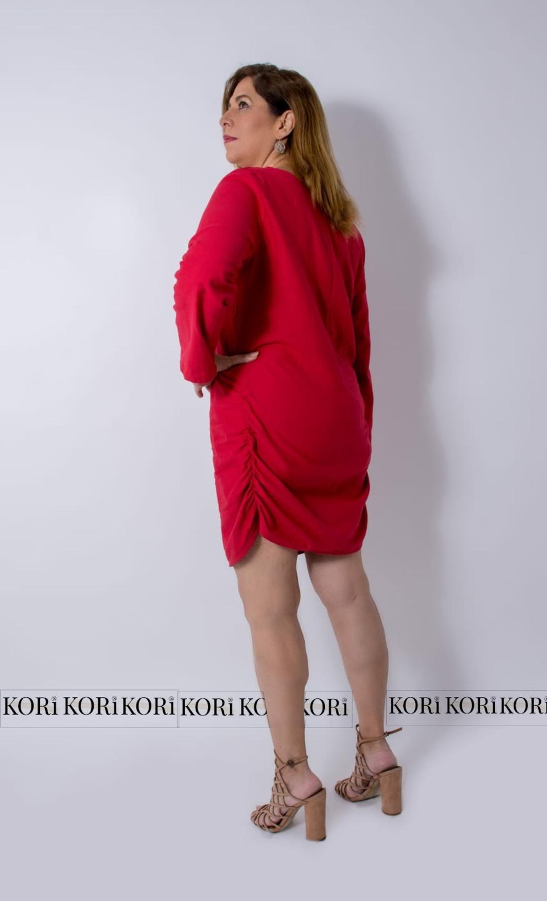 שמלת כיווצים ספיר