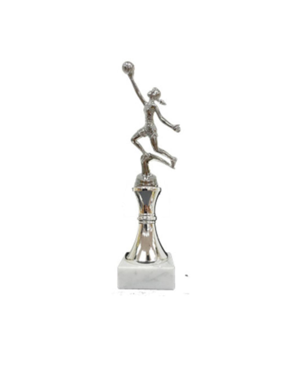 גביע דמות כדורסלנית מוגבהת כסף
