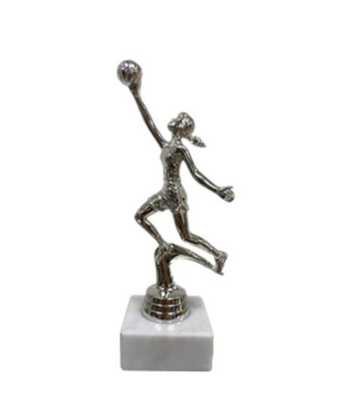גביע דמות כדורסלנית כסף