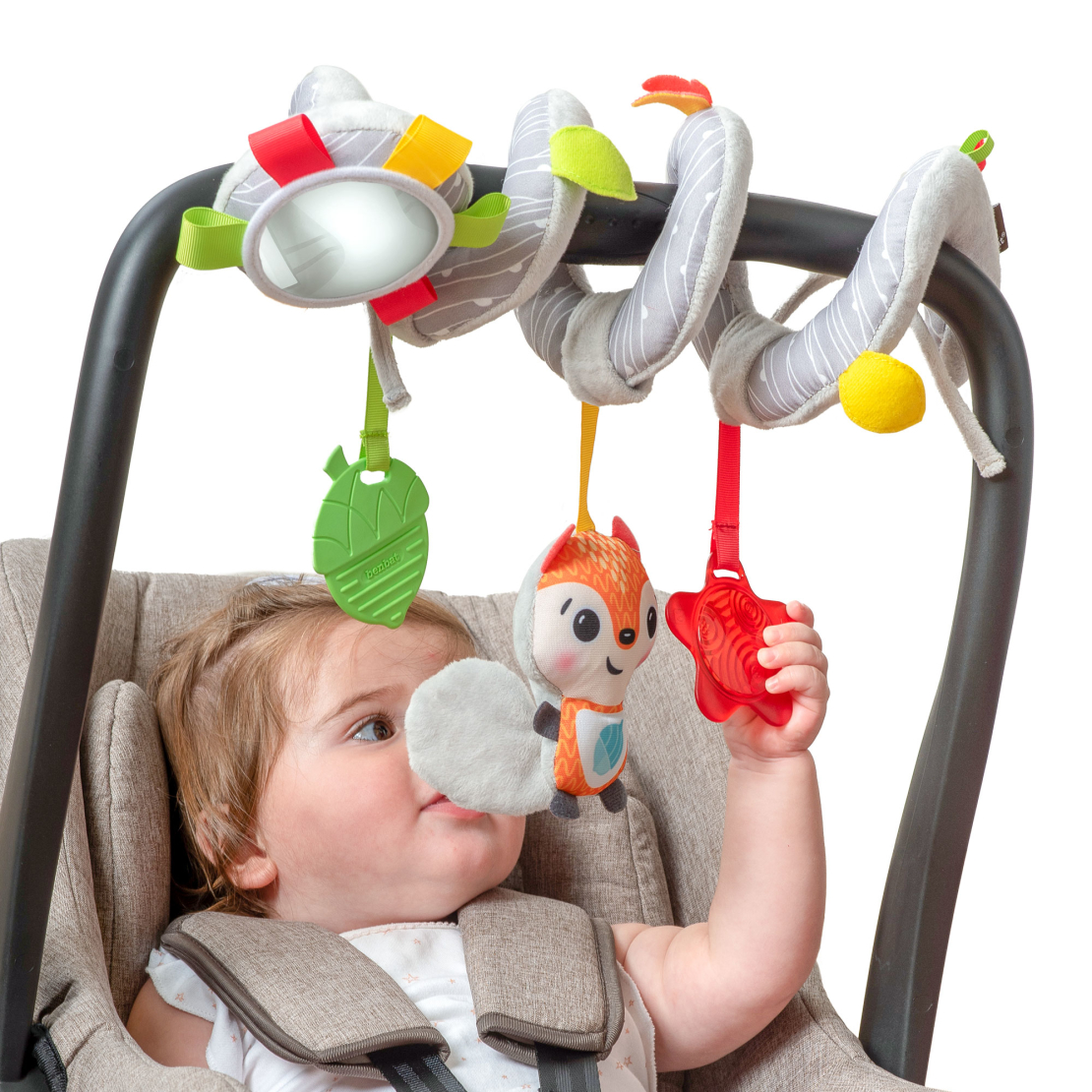 11# - אושר רך ומלטף לבת : מתנה רכה המכילה קופסת צעצועים, שמיכה, מגבת, חיתולי טטרה, ספירלה לעגלה/ סלקל