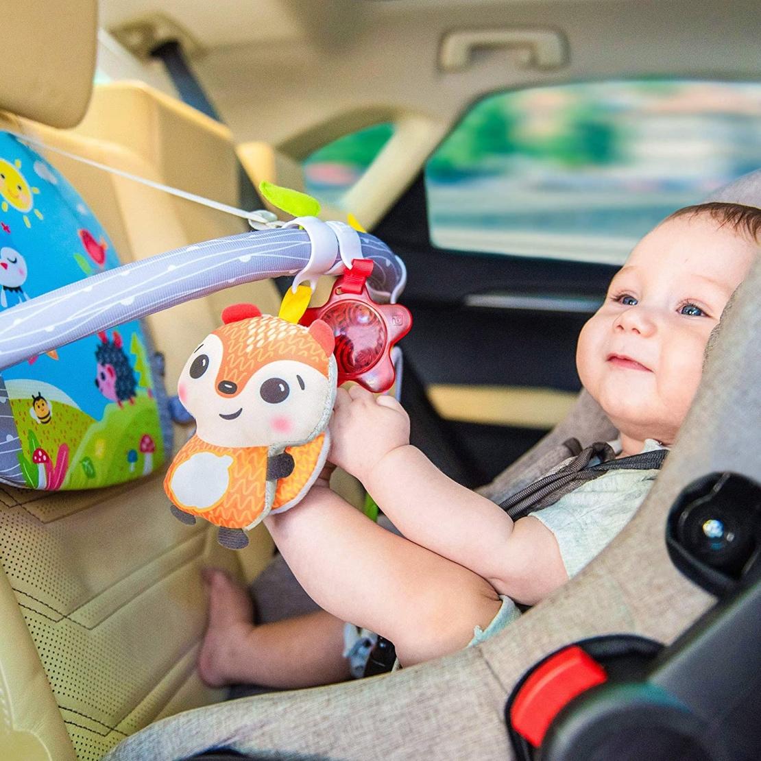32# - פשוט מקסים לבת : פעלולון לרכב מאיר מבית benbat, עם חליפת שני חלקים 100% כותנה ובובת קיפוד רכה מרשרשת