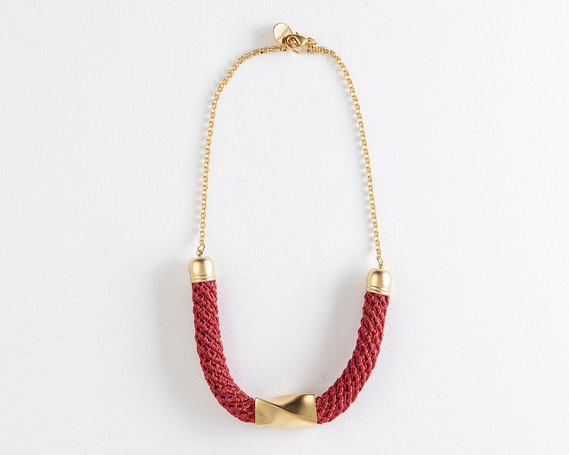 שרשרת בת שבע   תכשיט גיאומטרי   תכשיט אדום & זהב