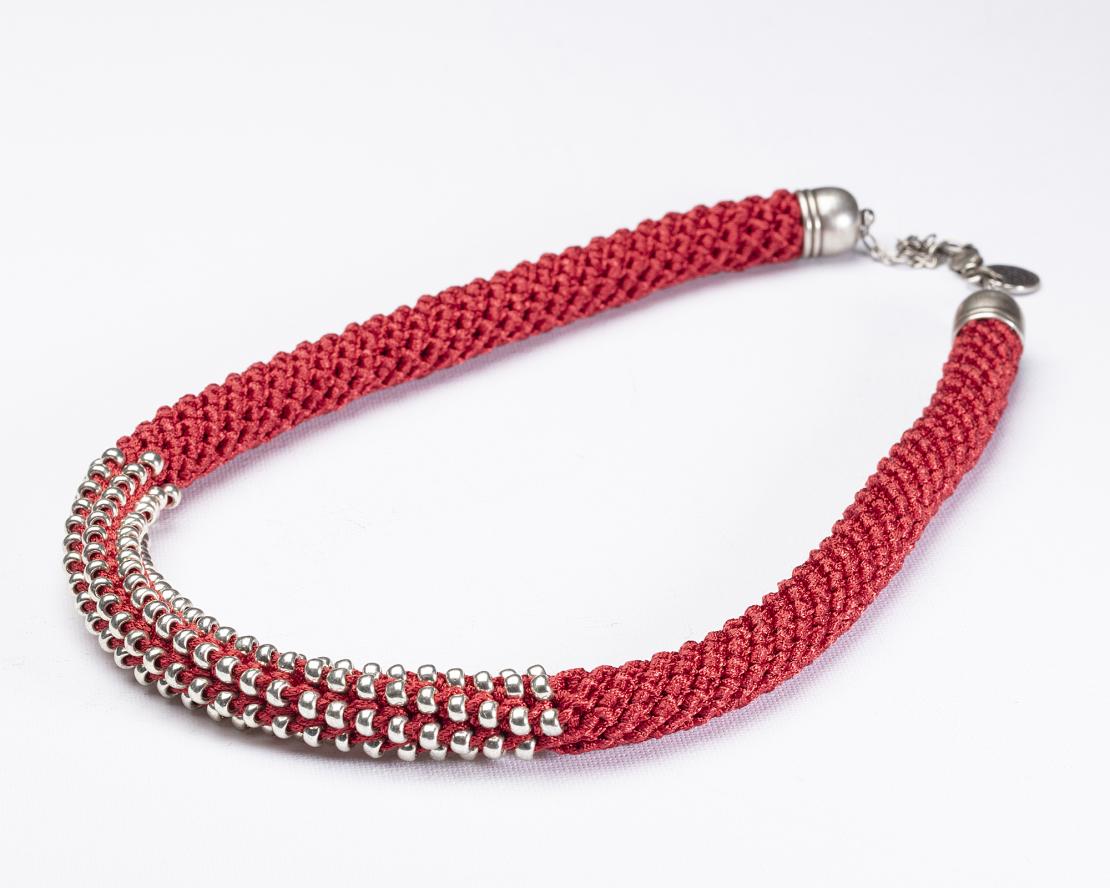 שרשרת אלישבע | תכשיט חרוזים שזורים | תכשיט אדום & כסף