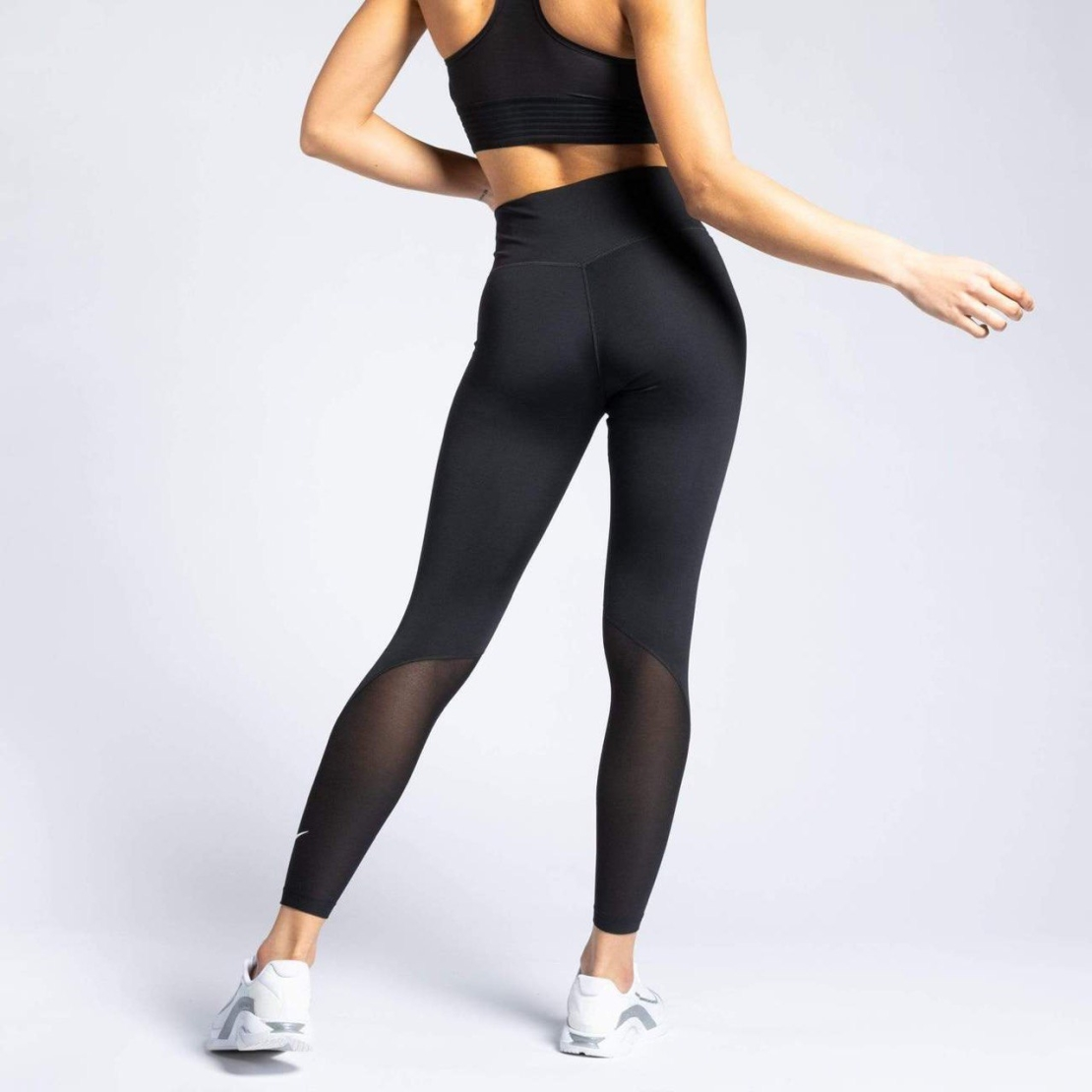טייץ נייק נשים   Nike One Women's Mid-Rise 7/8 Leggings
