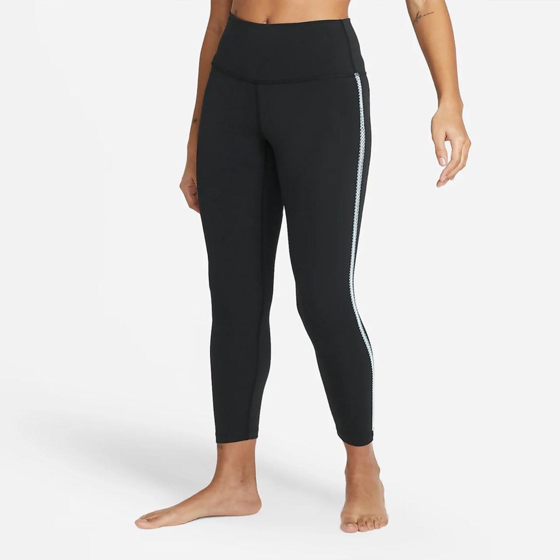 טייץ נייק נשים   Nike Yoga Women's 7/8 Crochet Edge Leggings