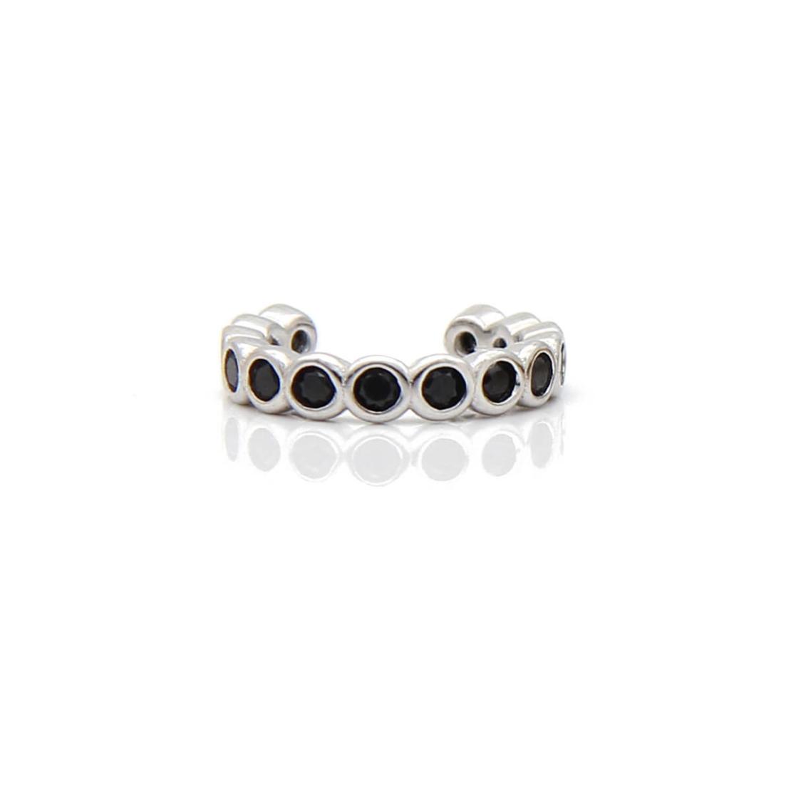 עגיל חבק עיגולים זירקונים שחורים - כסף 925